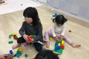 ブロックをする子どもたち6